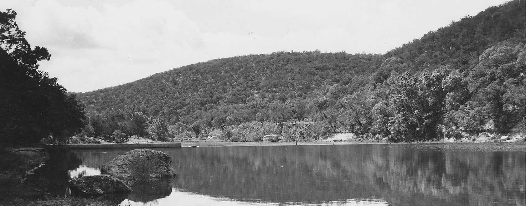 Old photo of the lake